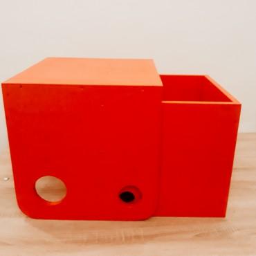 Set scaunel si masuta de forma cubica