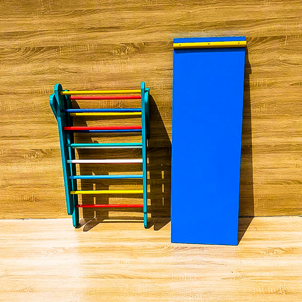 Triunghi de catarare Pikler cu tablita de scris